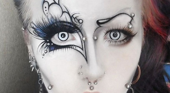 Gothic-contact-lenses